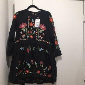 NWT Zara floral dress size xs